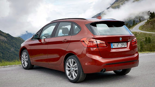 Harga BMW 218i Active Tourer 2015 Rp 619 Juta