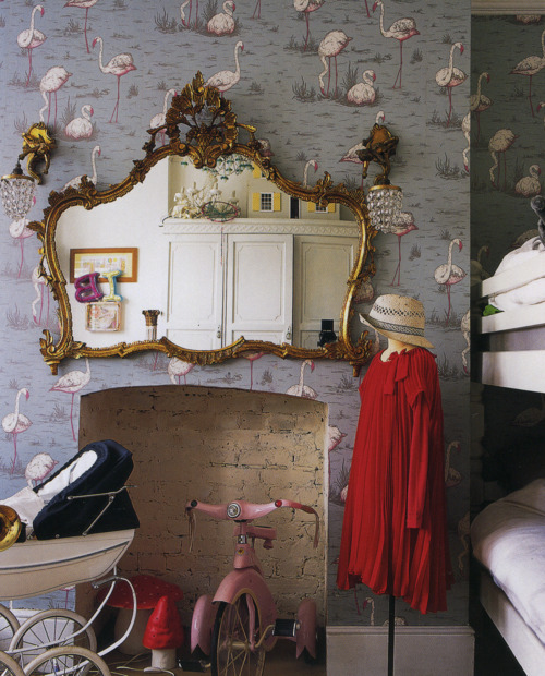 esdesign wallpaper wednesday cole and son 39 flamingos 39. Black Bedroom Furniture Sets. Home Design Ideas