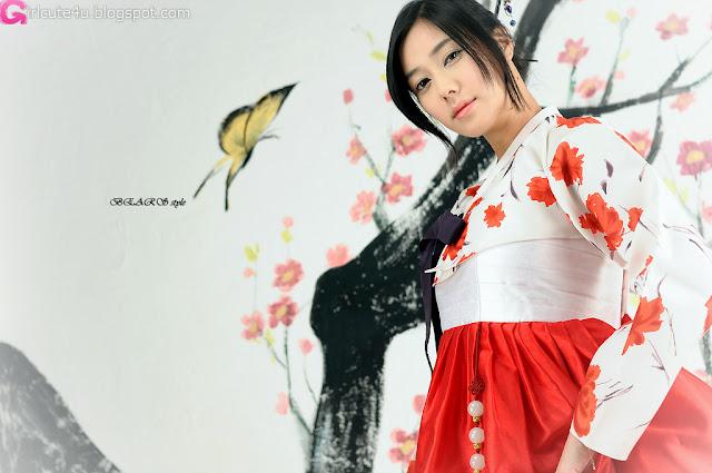 2 Kim Ha Yul in Hanbok-very cute asian girl-girlcute4u.blogspot.com
