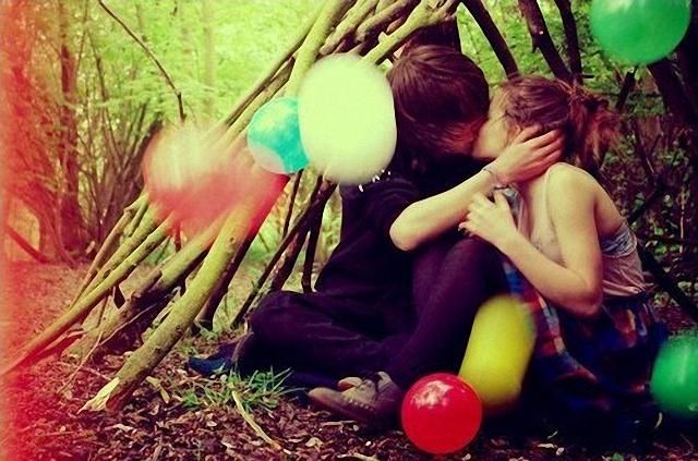 Beso en la cabaña