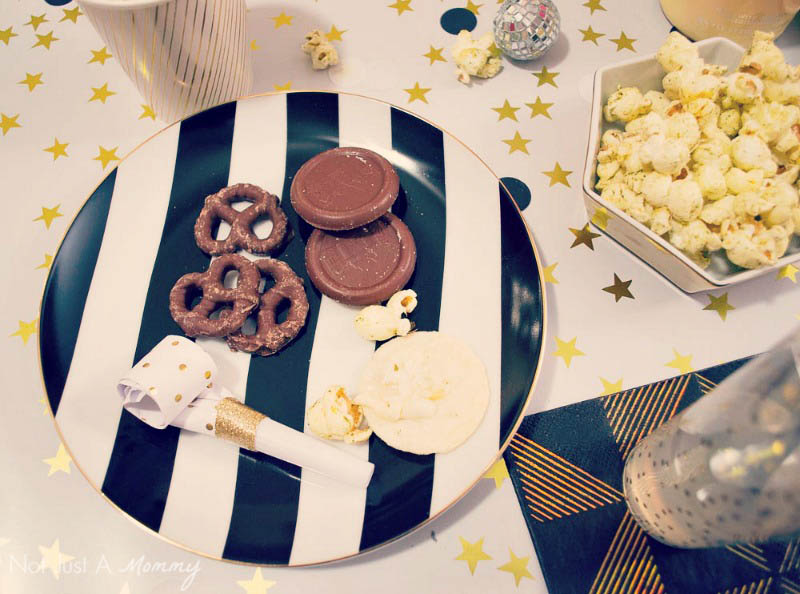 5 Easy New Year's Eve Party Tips; use what you have and add a few accessories