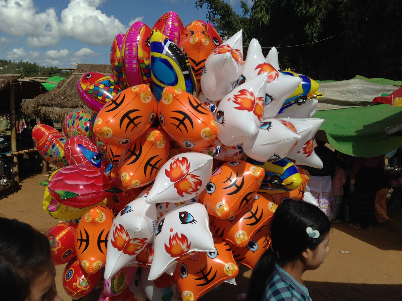 Heading to festival, Aungban