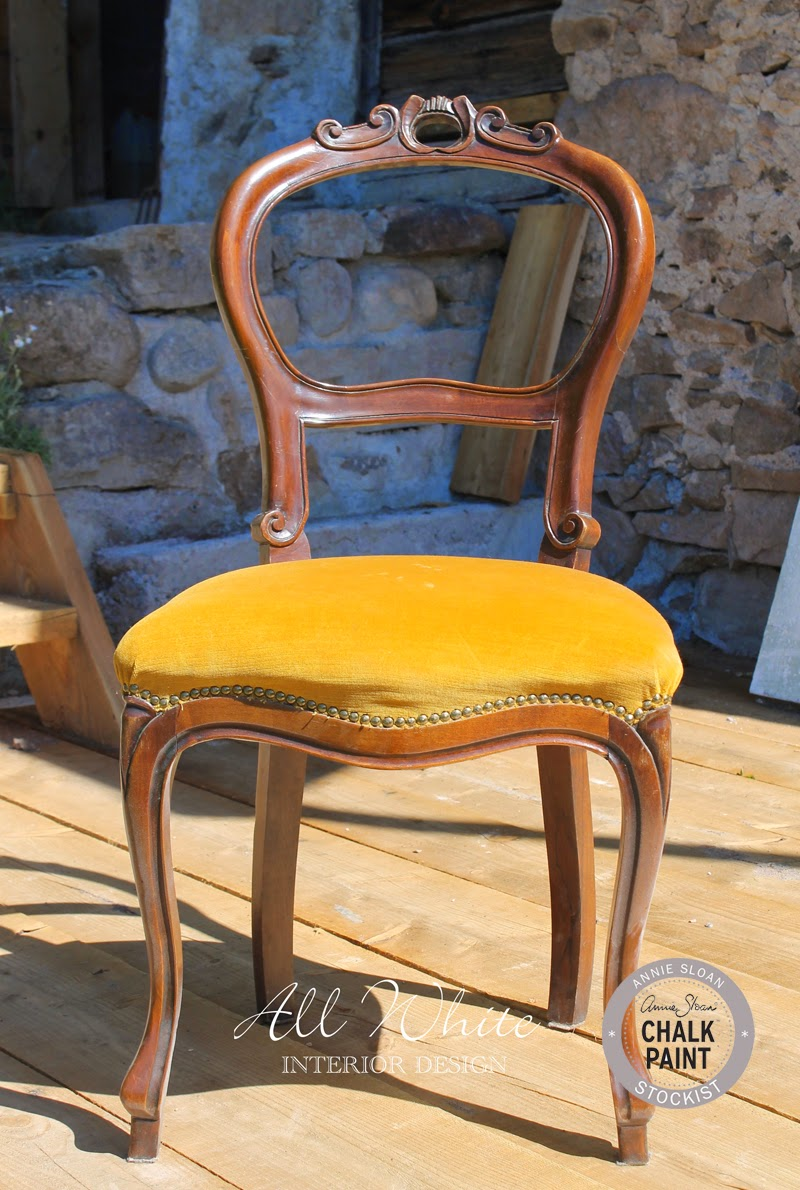 Chalk paint come trasformare una sedia con cuscino in for Rivestire una vecchia poltrona