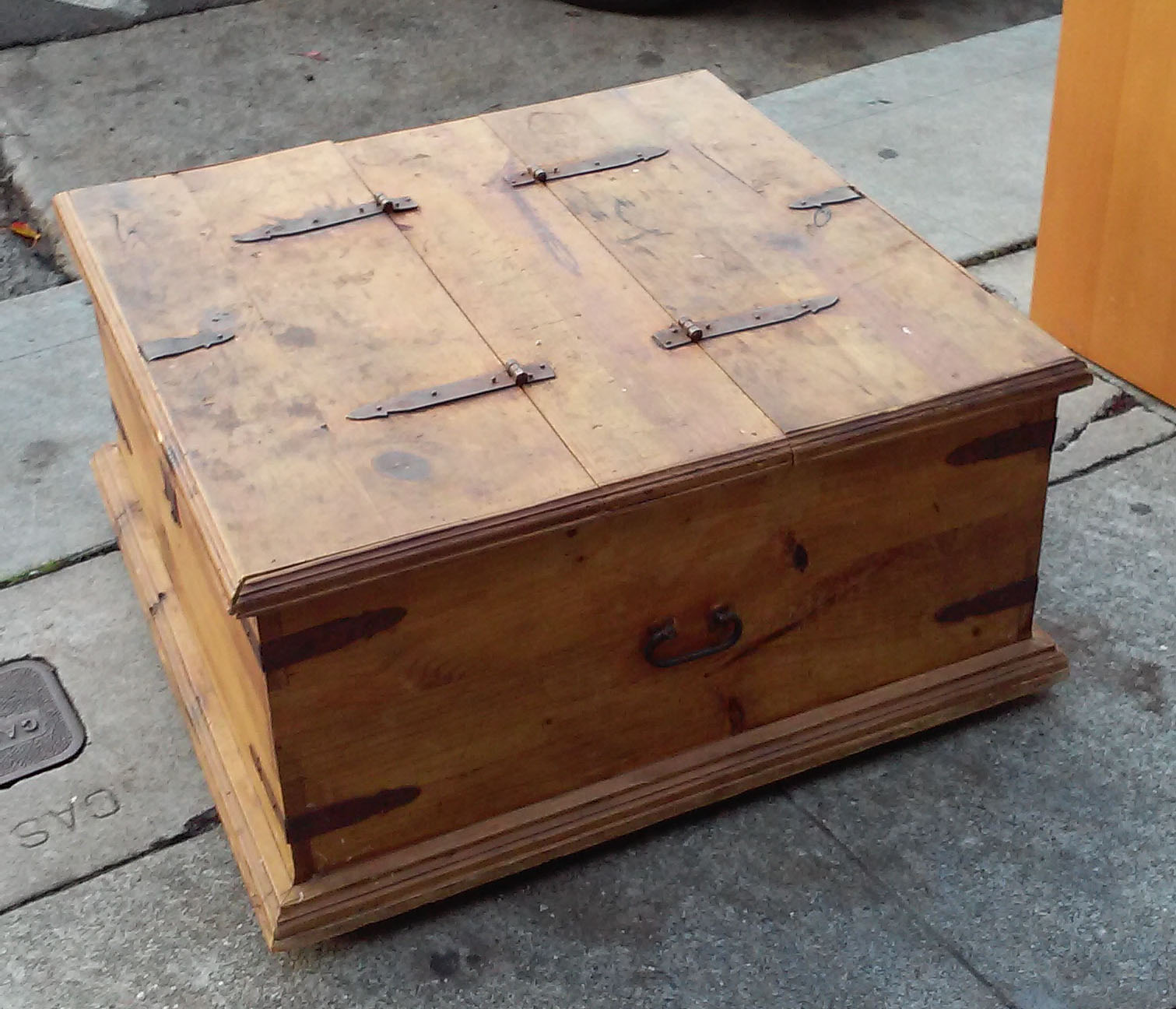 Storage Coffee Table Pine: UHURU FURNITURE & COLLECTIBLES: SOLD Mexican Pine Coffee