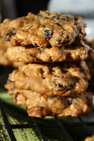 http://foodiefelisha.blogspot.com/2012/11/oatmeal-raisin-cookies.html