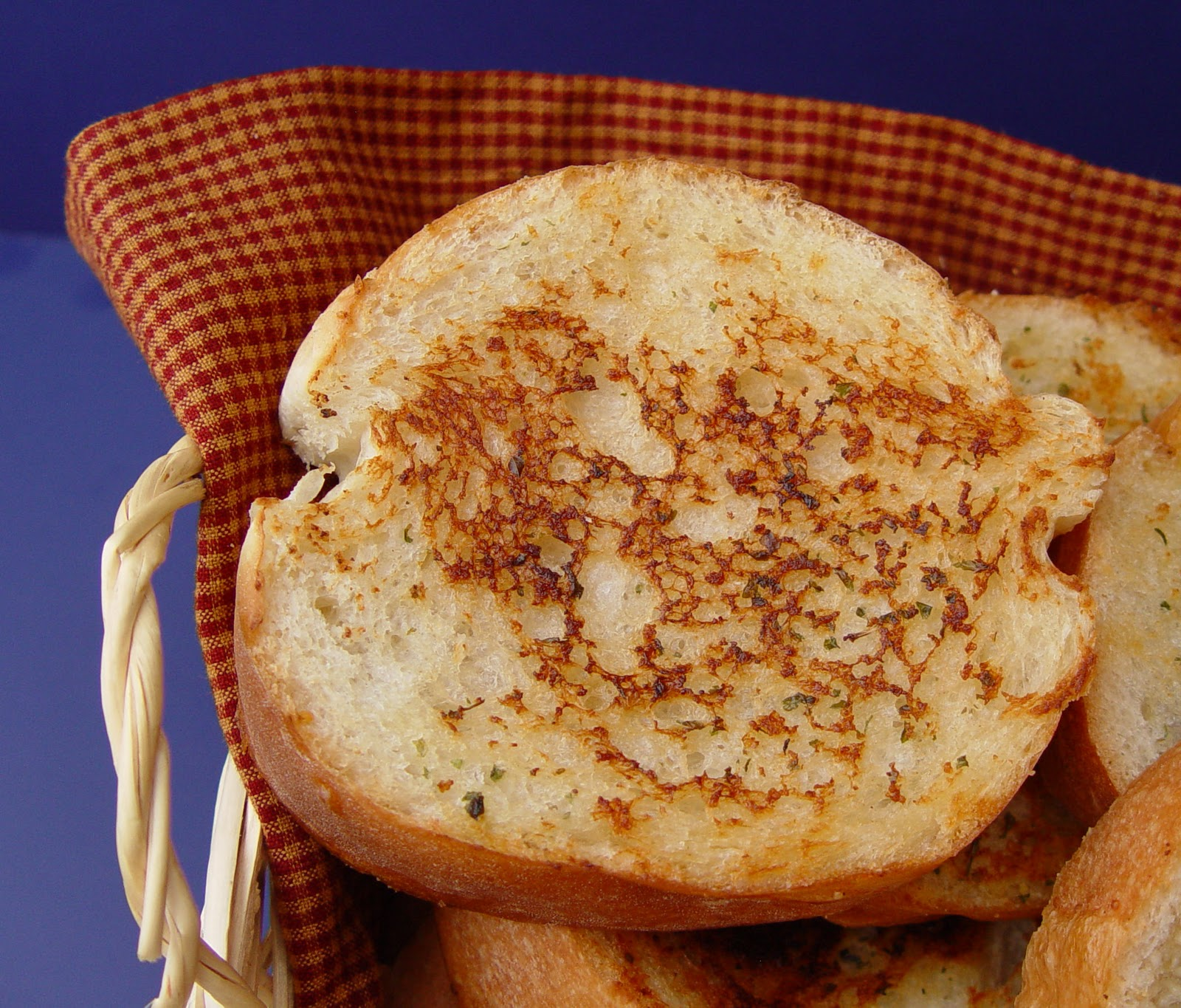 This wonderful Grilled Garlic Bread is fabulous served with Hearty ...