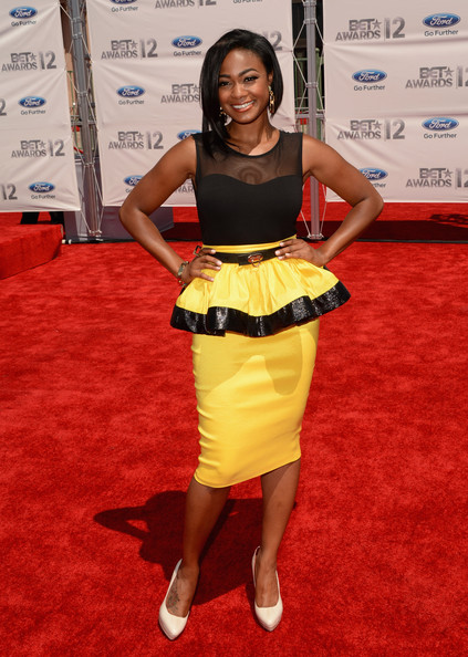 Tatyana Ali Didn't Really Blend In, Thanks To This Bright Bumblebee