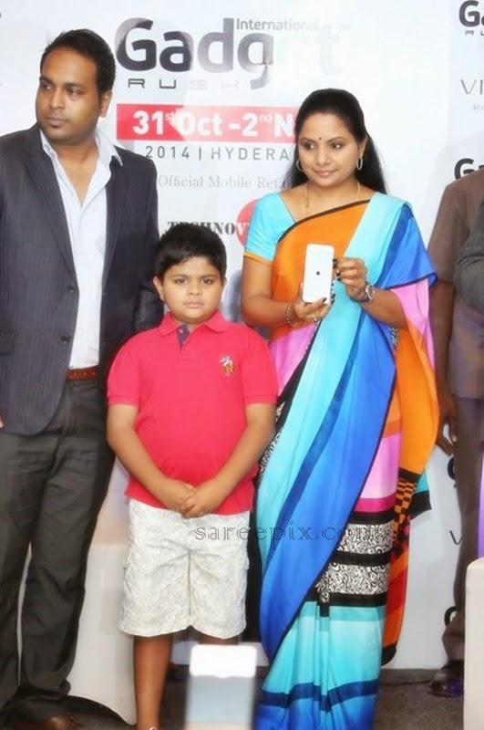 MP-kavitha-saree-iPhone-6-launch