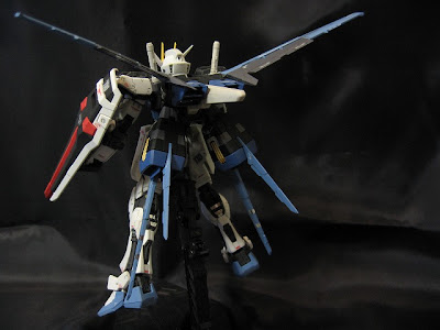 RG Aile Strike Gundam Model Kit