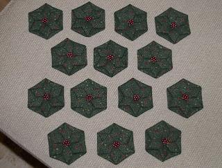 Karácsonyi csillag hajtogatása textilből