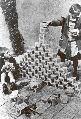 Inflación, dinero de juguete