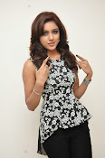 Vithika sheru latest glam pics-thumbnail-1