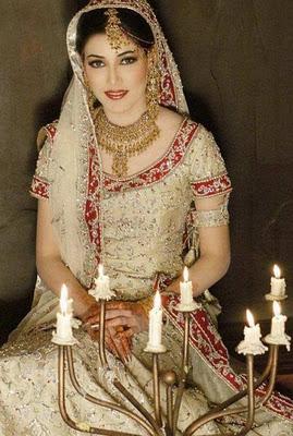 Pakistani Bridal Dresses Trends for Women 2012