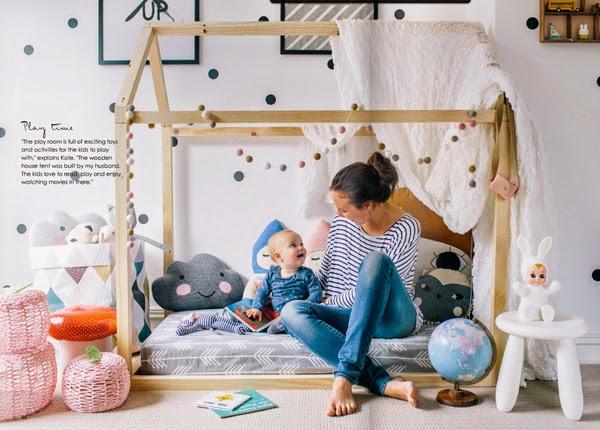 cama infantil con forma de casa de madera