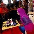 Fatin Shidqia Interview Bersama Rekan2 Wartawan Televisi