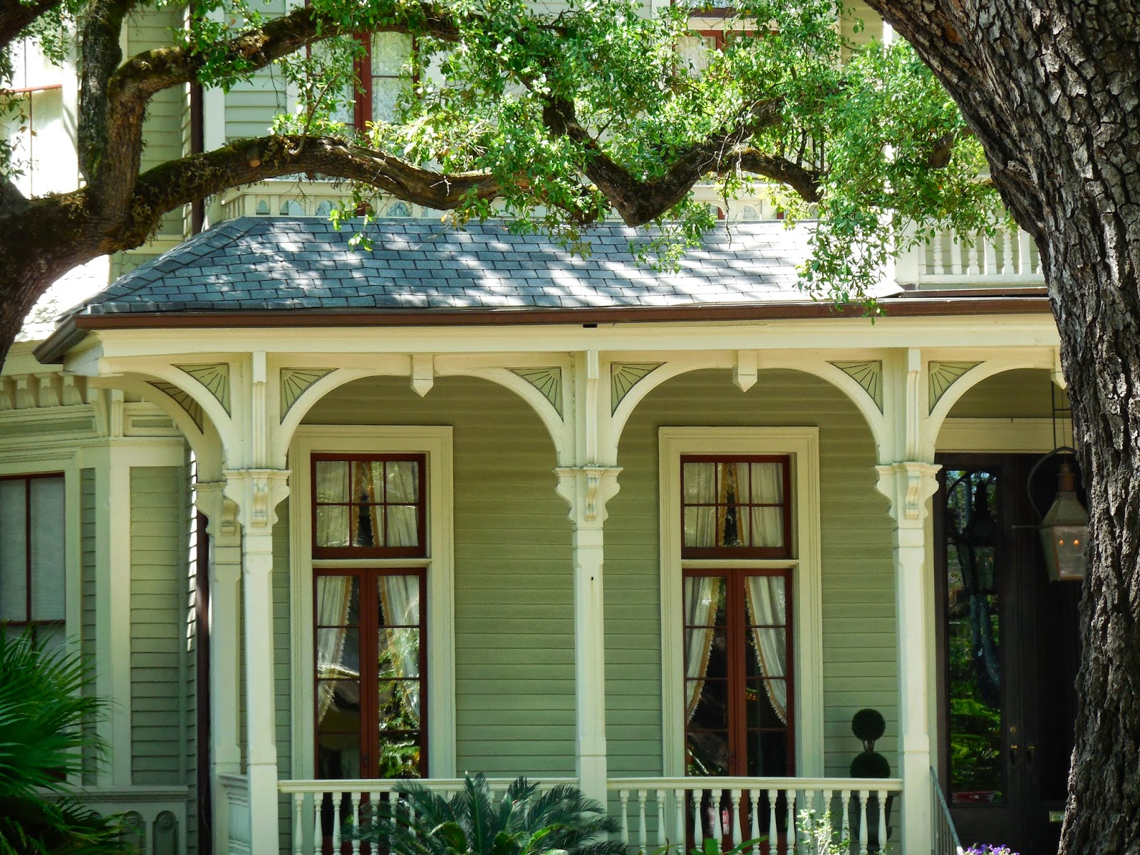 The Flavor Carousel: New Orleans, USA: beautiful porches ...