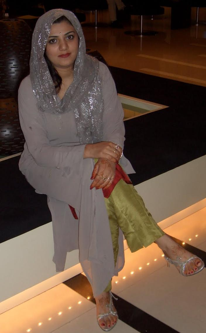 World Arabian Girls Photos Cairo Aunty In Dubai Shopping Mall