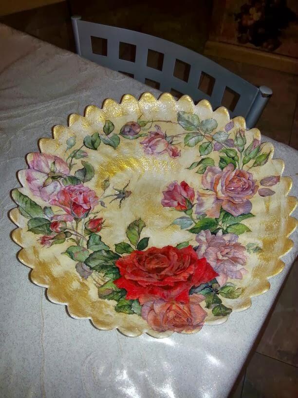 Riciclando con il decoupage vassoi piatti for Piatti decorati