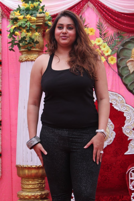 Namitha at JS Paradise Family Marriage Hall Launch Stills hot images
