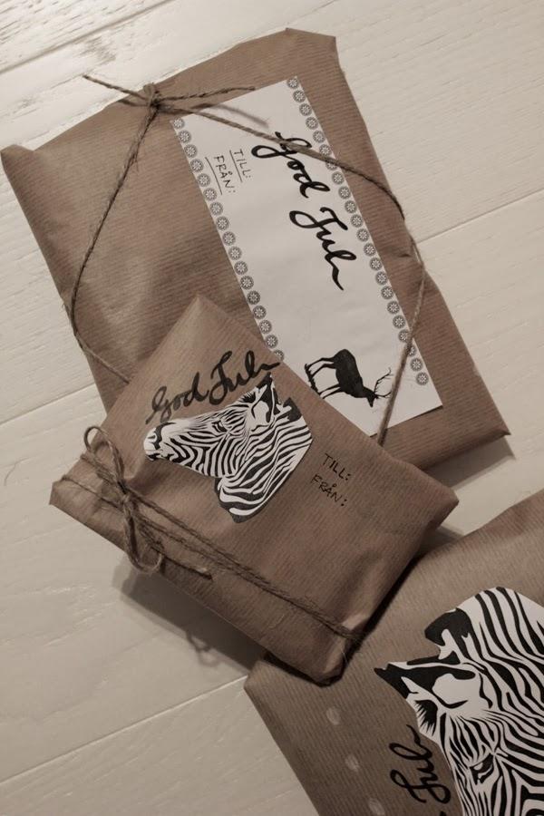 printables på paket, skriva ut svart och vitt, tips paketinslagning, julklappar, inslagning, zebra svartvit, svarta och vita zebror, christmas printables,