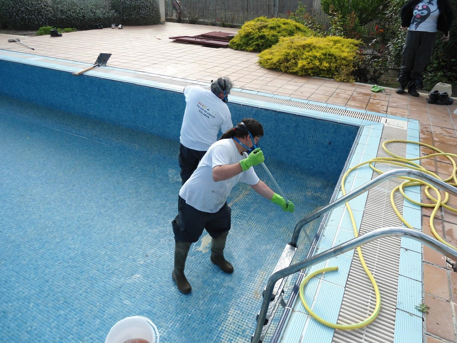 Taller de empleo de limpieza profesional calibus piscinas for Limpieza fondo piscina
