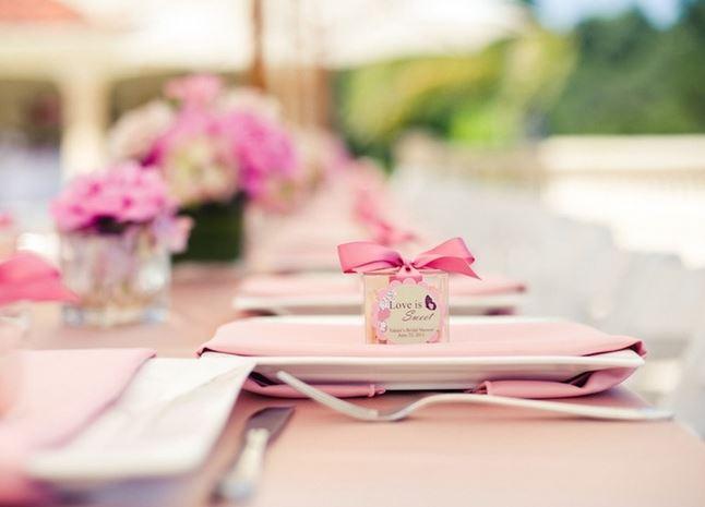 dekoracja stolu na chrzciny