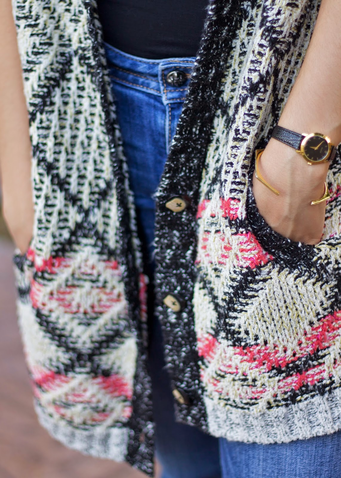 Gorjana hexagon cuff, Gorjana jewelry blogger, Gucci watch, vintage gucci watch, casual outfit 2015
