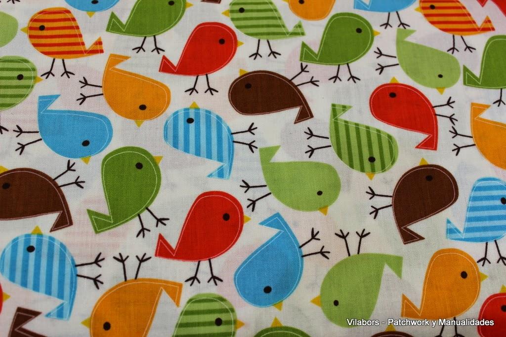 Detalle de la tela con diseño de Pájaros. En Vilabors, Patchwork y Manualidades