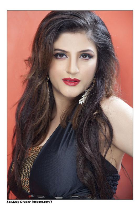 Kellie Singh hot pics Punjabi Pop Singer