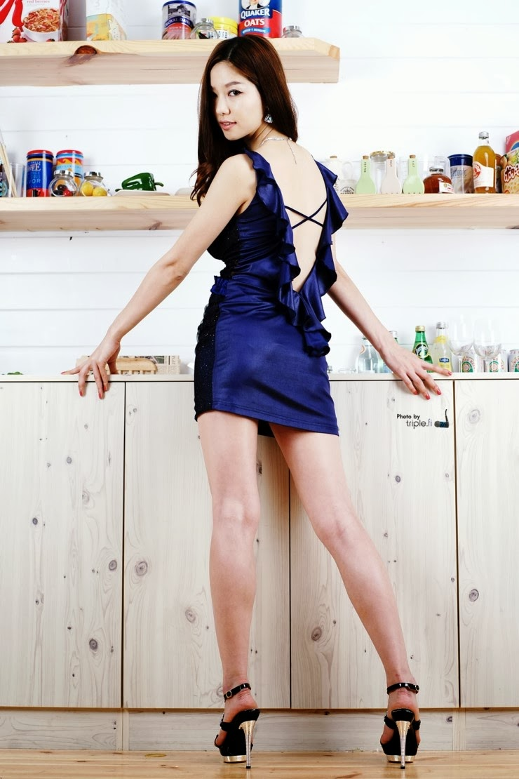 4 Han Min Young in kitchen - very cute asian girl-girlcute4u.blogspot.com