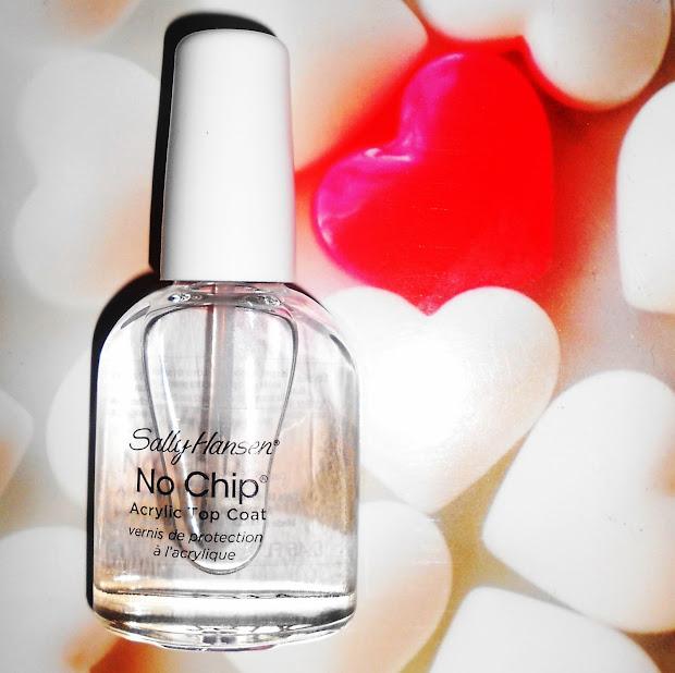 ely.hearts.makeup nail of