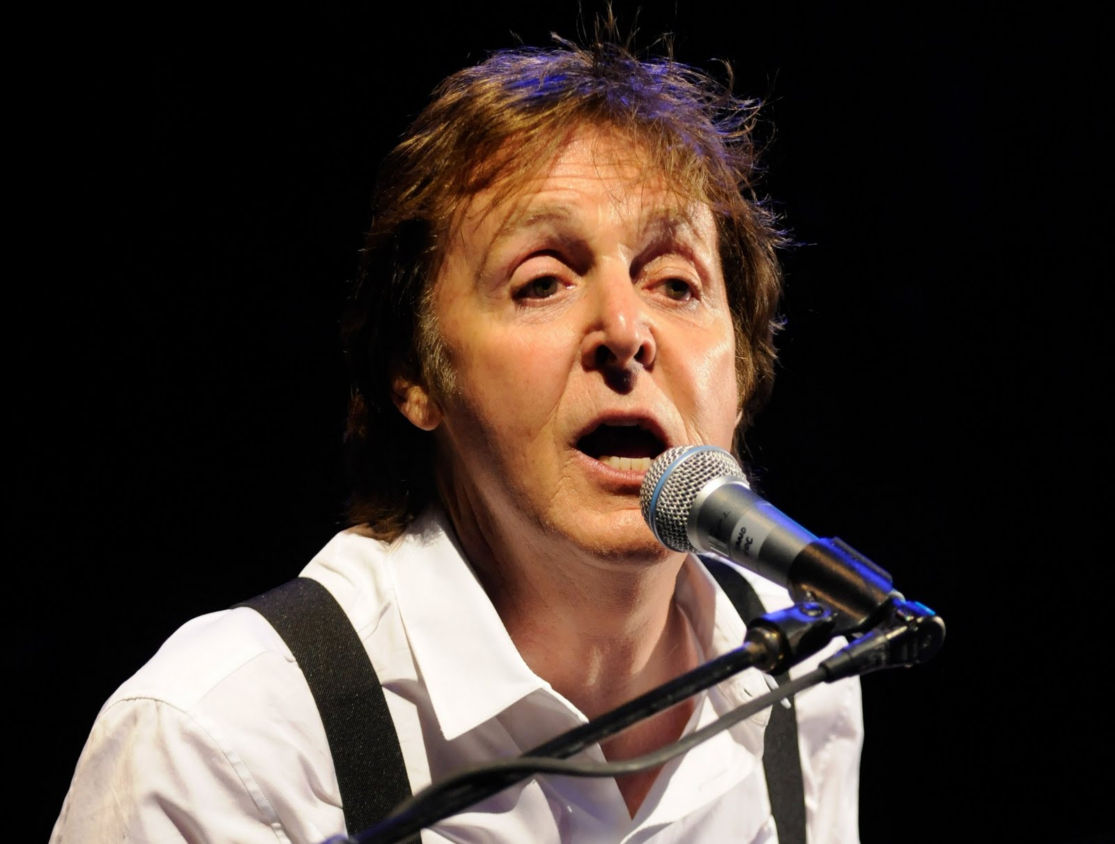 http://3.bp.blogspot.com/-K_n5DW42GXs/T5hAzrGFzUI/AAAAAAAAAYE/4worMi_YZ8M/s1600/paul-mccartney-4-17-091+-+Copy+(2).jpg