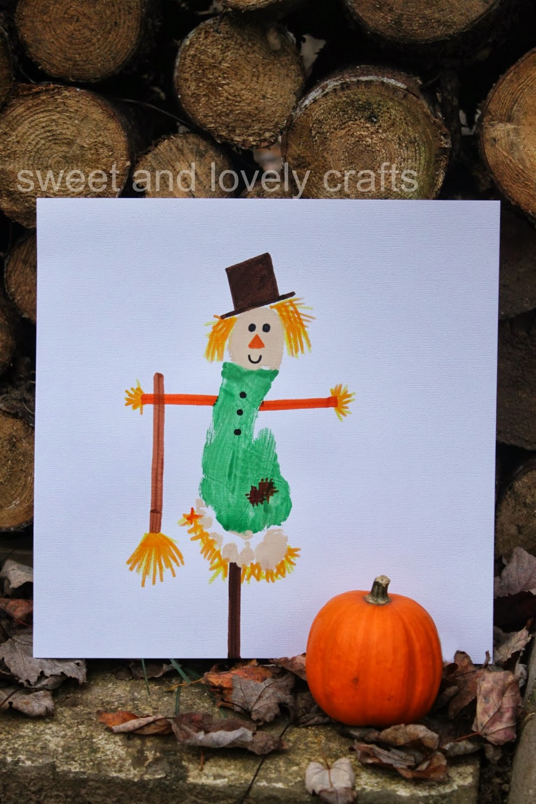 A cute idea for showing off your adorable Scarecrow Footprint craft!