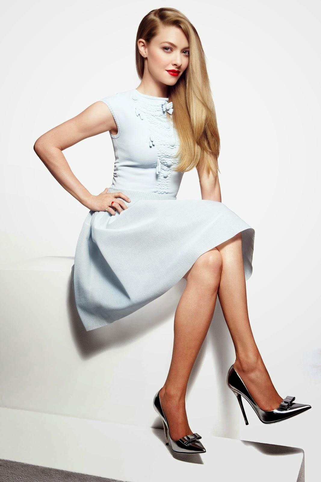 Amanda Seyfreid classy babe with sexy legs