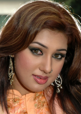 Images of Bangla Movie Actress Apu Biswas Considered The Most
