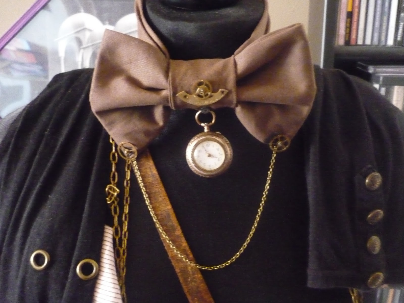creative chaos in dark colors wgt 2013 steampunk fliege bow tie. Black Bedroom Furniture Sets. Home Design Ideas