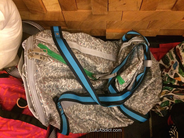 lululemon-2015-sea-wheeze-expo-merchandise high-mileage-duffel-gray