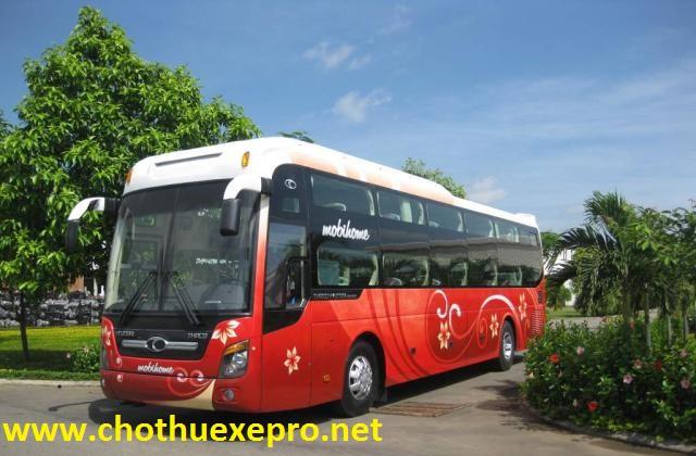 Cho thuê xe 45 chỗ Universe giá rẻ tại Hà Nội.