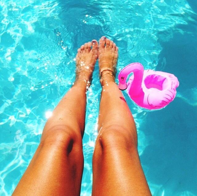 Flotadores_de_moda_para_la_piscina_y_la_playa_The_Pink_Graff_012