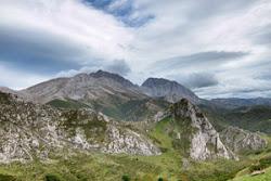 Rutinas Varias. Rutas de montaña y fotografía de naturaleza