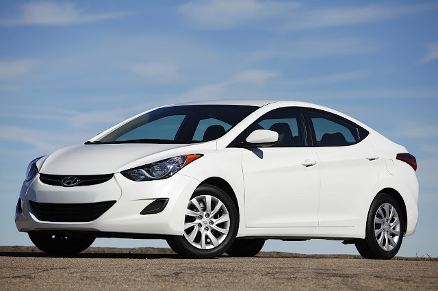hyundai elantra car reviews