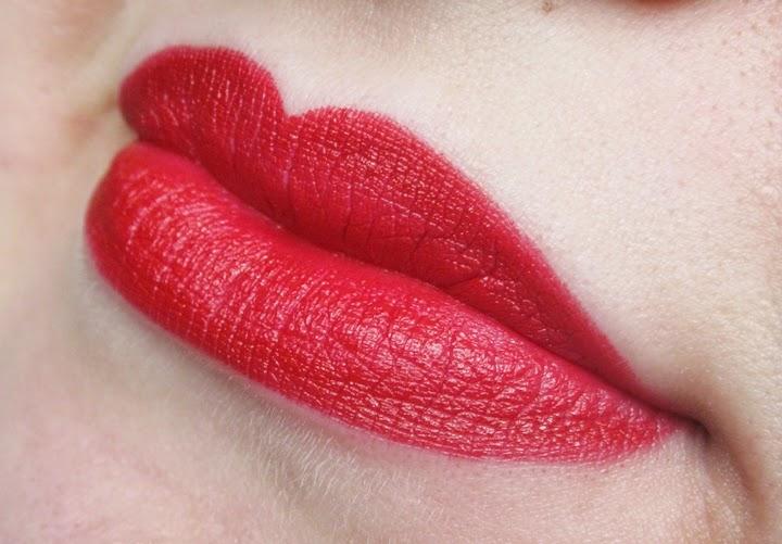 Maybelline Intense Velvet Red Essential