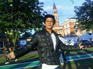 Shah Rukh Khan romantic photo