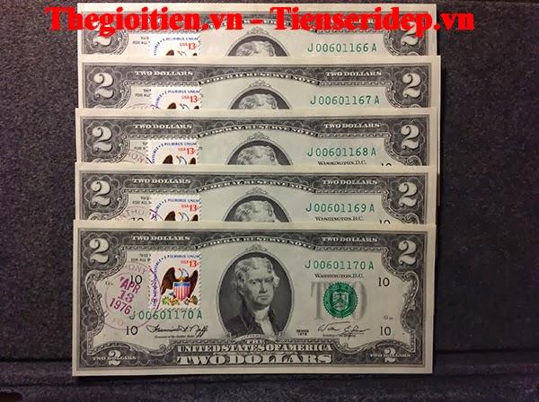 tiền seri đẹp dán tem