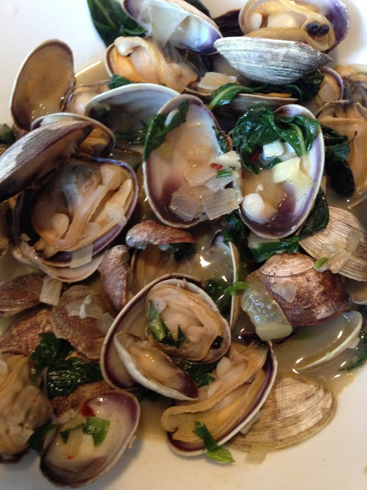 Element Food: Steamed Clams with Thai Basil