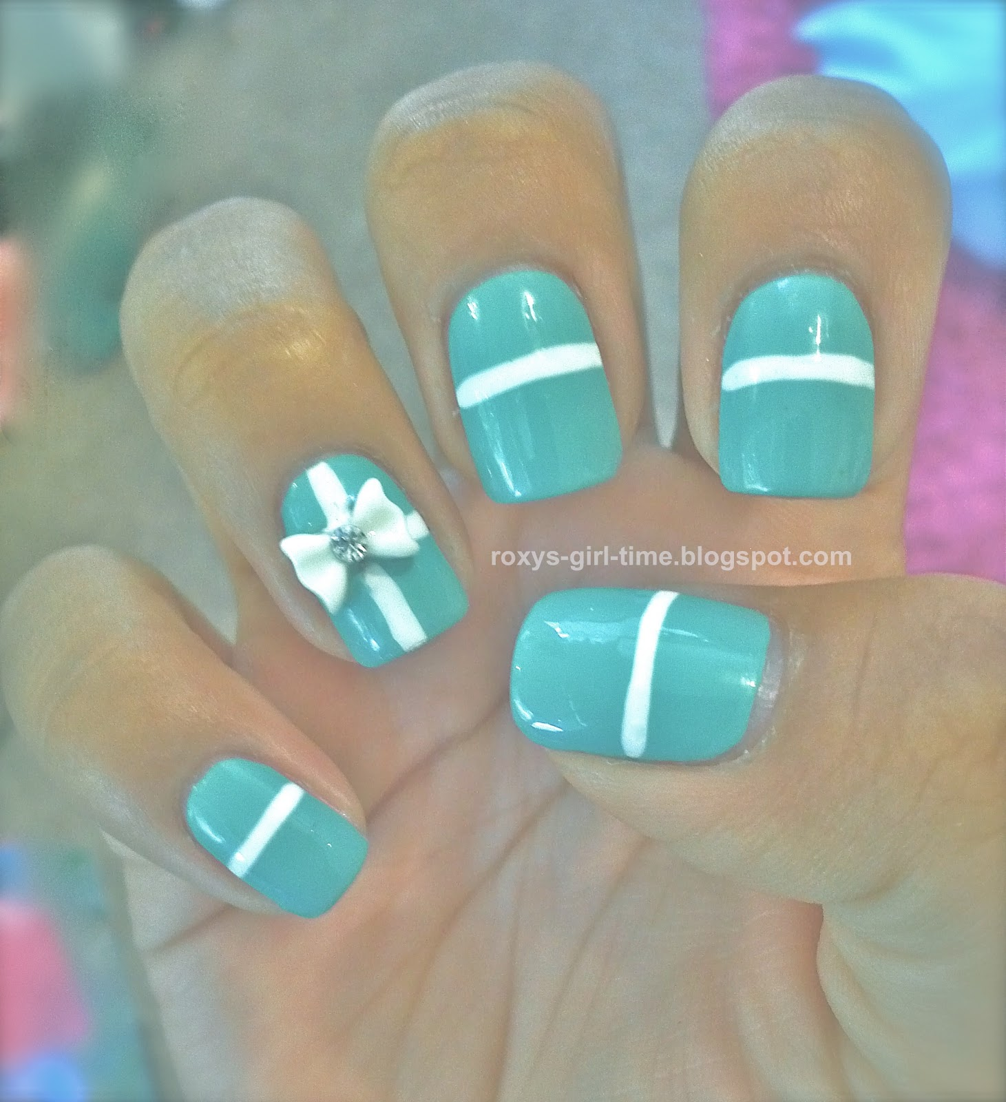 Tiffany Blue Nail Art: Roxy's Girl Time: NOTD: Tiffany Manicure