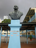 Escuela Francisco Arias Paredes.