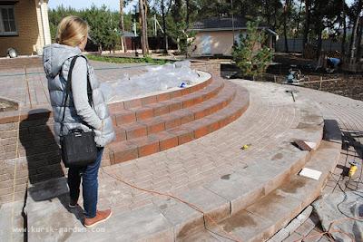 Клинкерная и тротуарная плитка (лестница в саду)