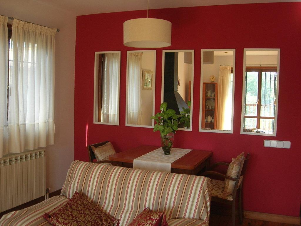 Ecopinturas fernandez el color rojo en la decoraci n for Como reformar una casa vieja con poco dinero
