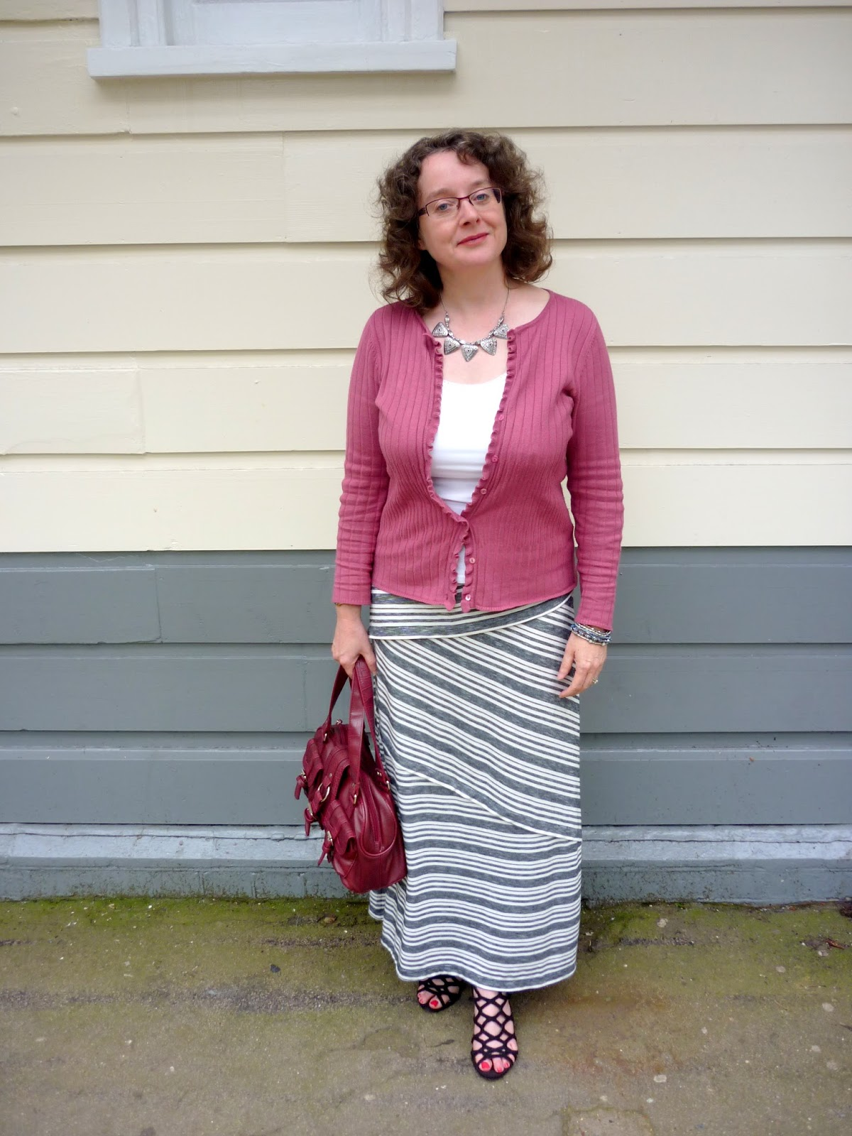 Grey & Ivory Maxi Skirt, Raspberry Top & Bag, Black Sandals | Petite Silver Vixen